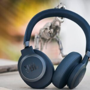 JBL Live 650BT Active Noise Cancelling Headphones Review - Noise Cancelling on a Budget?